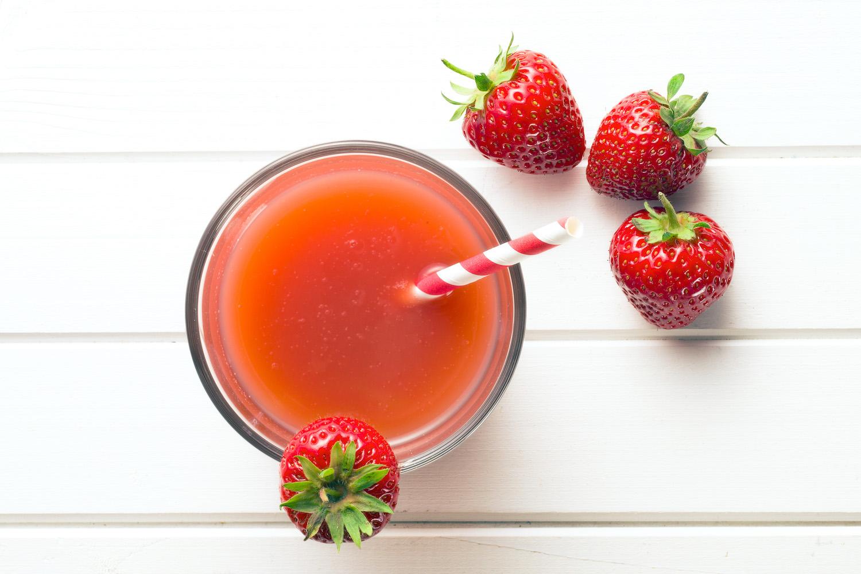 Verre de jus de fraise